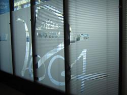 glass-partion-manifestation