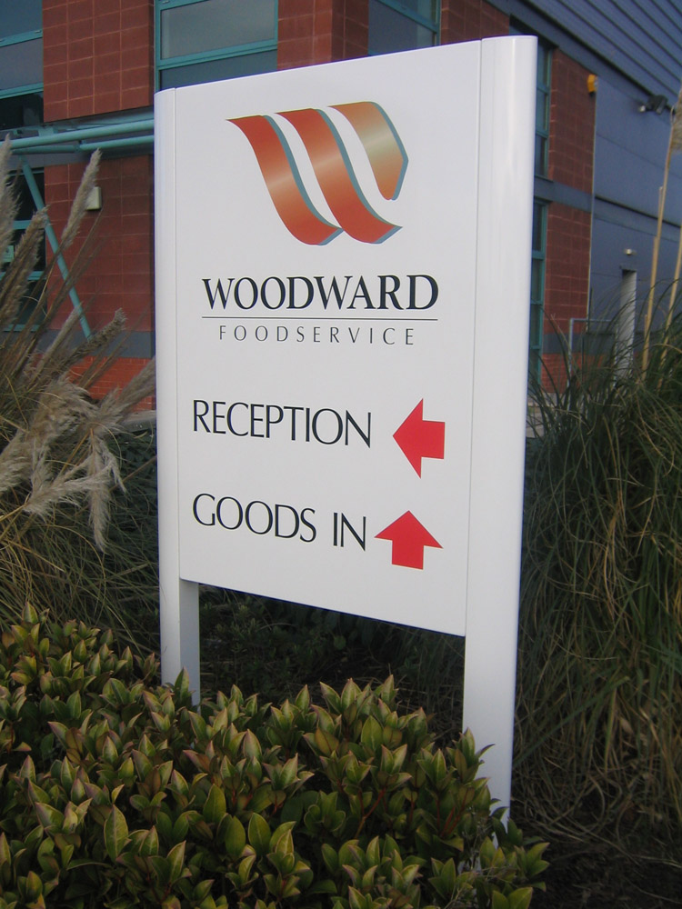 aluminium-monolith-with-vinyl-graphics-woodward