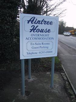 ali-panel-posts-aintree-house
