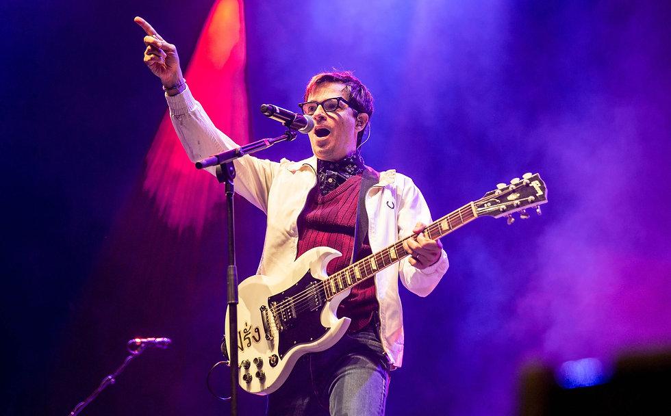 Weezer-Wembley-28102017-Emma-Swann-7021-web_edited.jpg