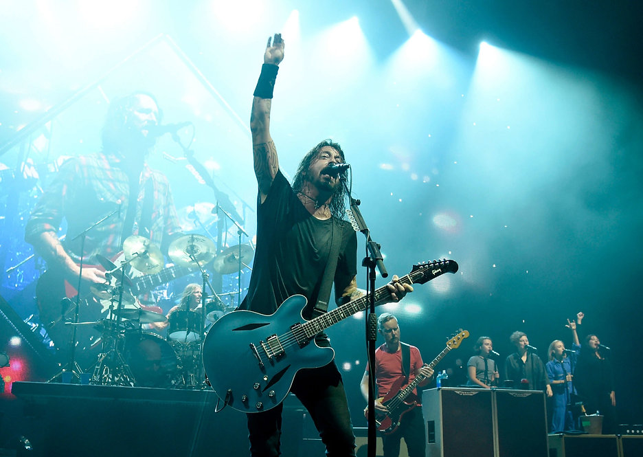 foo-fighters-dave-grohl%401400x1050-scaled_edited.jpg