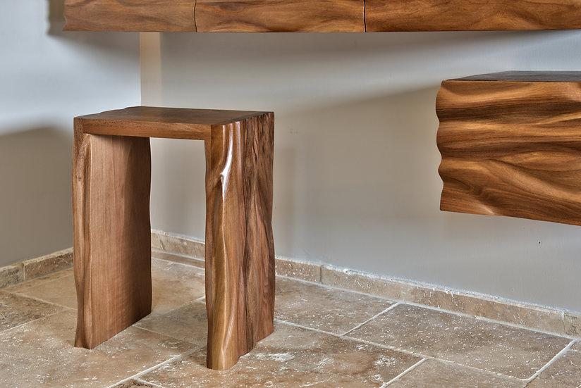 Tabouret sculpté en bois de Noyer massif. Tabouret design en bois de Noyer Massif. By French Designer : MarKus Furniture