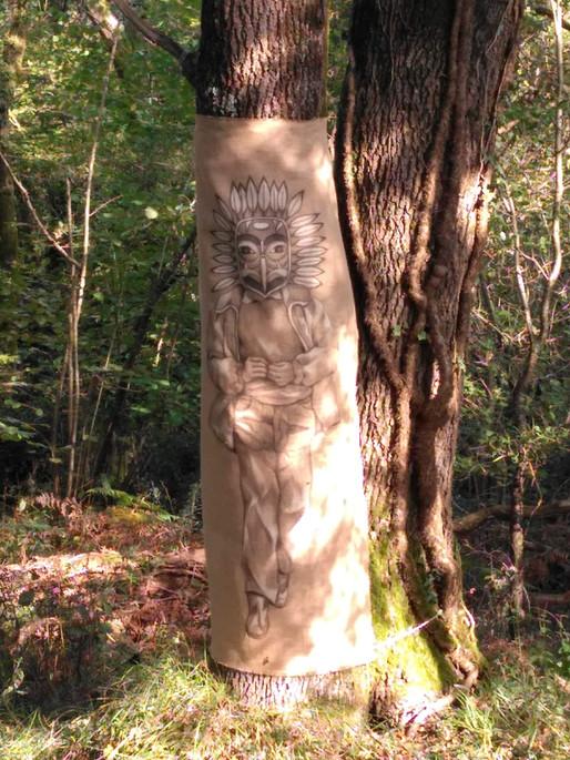 Fusain et argile blanche sur toile de lin brut. Résidence Les Veilleurs de vent. Dans le cadre de la fête de la nature octobre 2020. Réserve naturelle régionale de La Massonne (17).