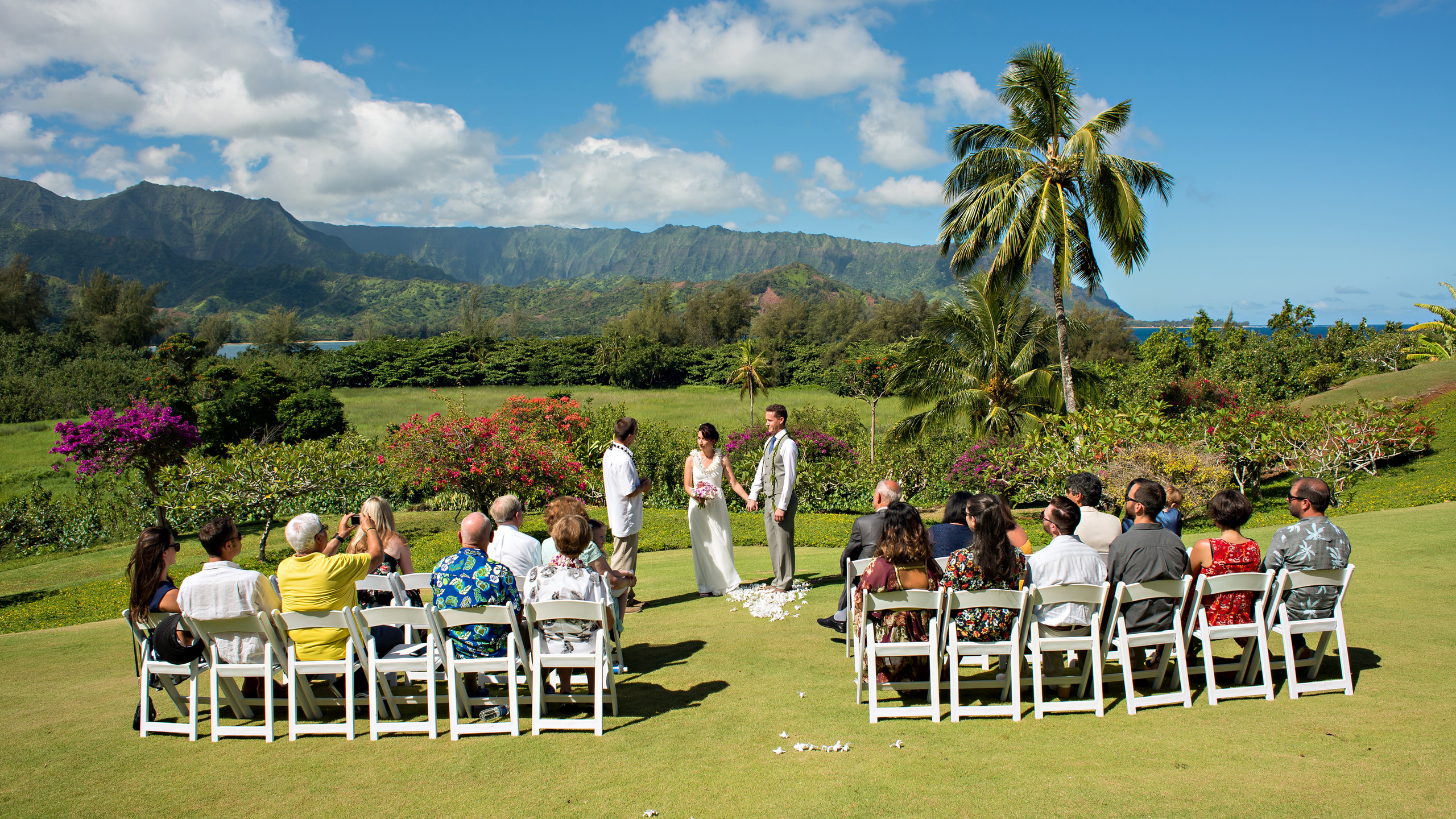 Island Echoes Photography favorite wedding venue at Hanalei Bay Resort for weddings and events.