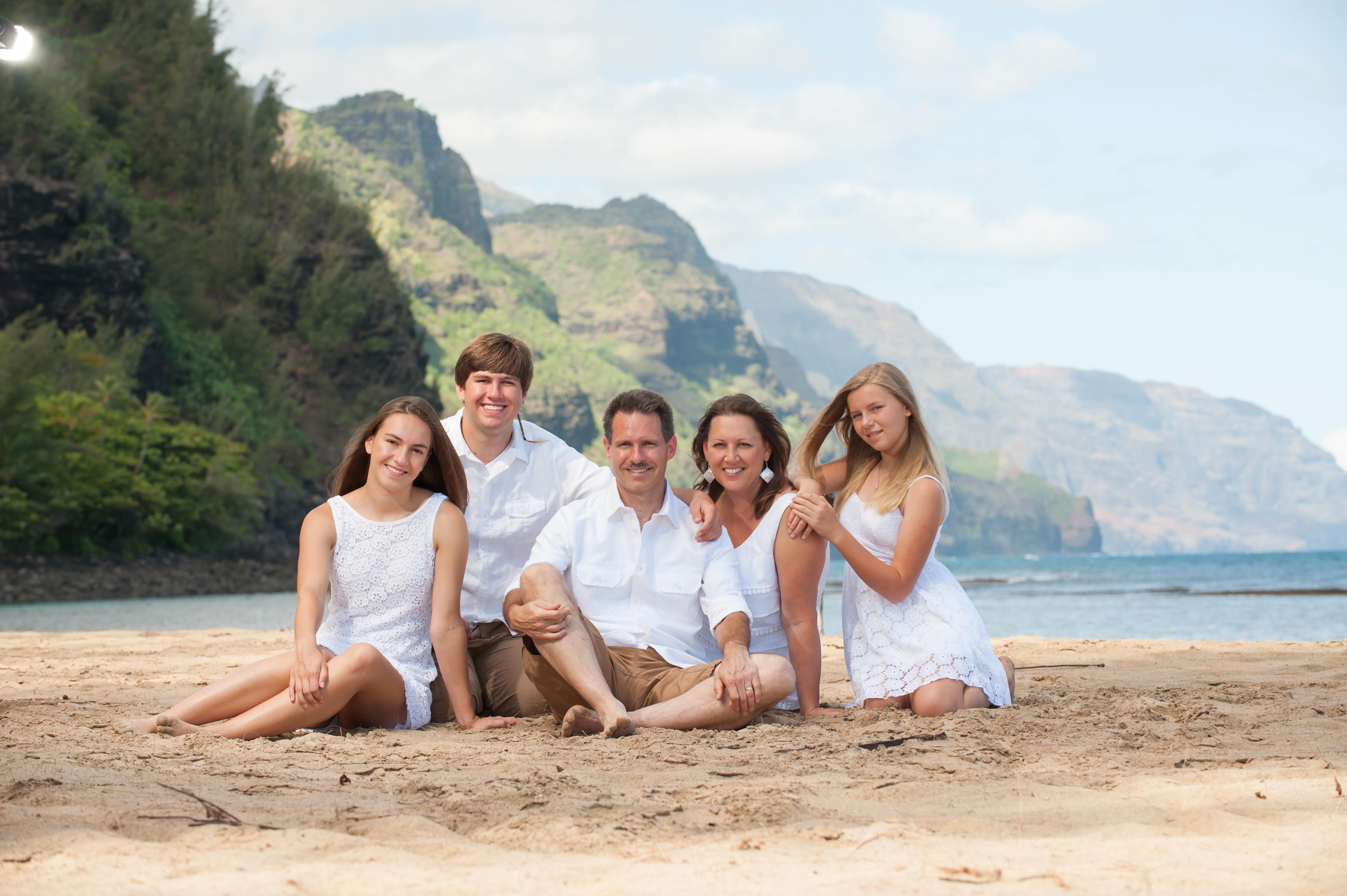Ke'e beach family portraits