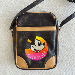 Mickey Mouse custom painted passolder Lo