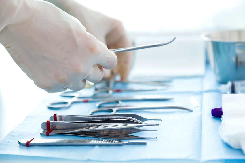 many-kind-of-medical-equipment-manage-for-surgeon-to-start-operations-in-operating-room.jp