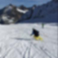 Göttin fährt Ski