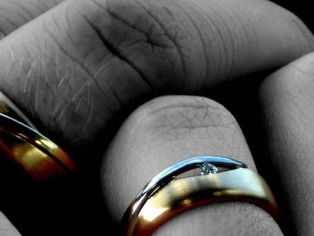 S vysokou rozvodovostí lze bojovat prevencí, zaznělo na konferenci v Senátu