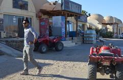 Beduini-a-ctyrkolky-v-pousti2.JPG