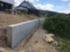 opěrná zeď.JPG