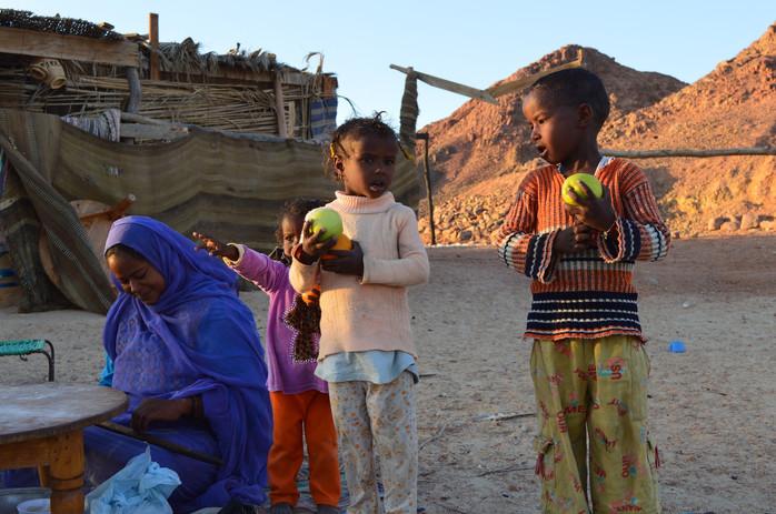Beduini-a-ctyrkolky-v-pousti1.JPG