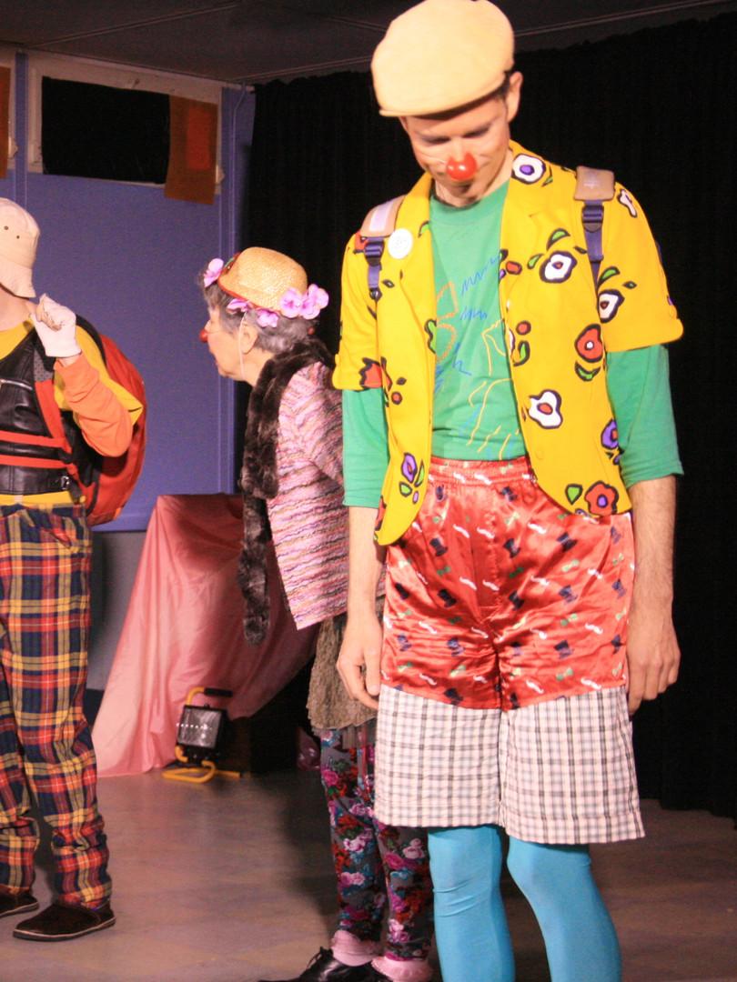 De droite à gauche, les clowns Adrien Beaulait, Praline, Peregrino, Marius Belenfant