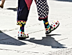 Clown marchant2 - iStock-1159967972.jpg