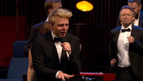 Pelle Hebsgaard performing