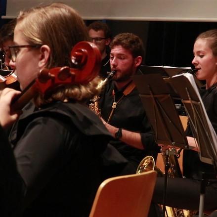 Saxophone, Weit dann Nahe, Schostakowits