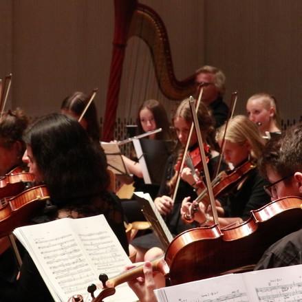 Orchester, Totale.00_12_05_19.Standbild0