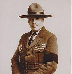 Général de Salins, militaire et scout