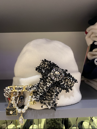 Bonnet blanc esprit Chanel