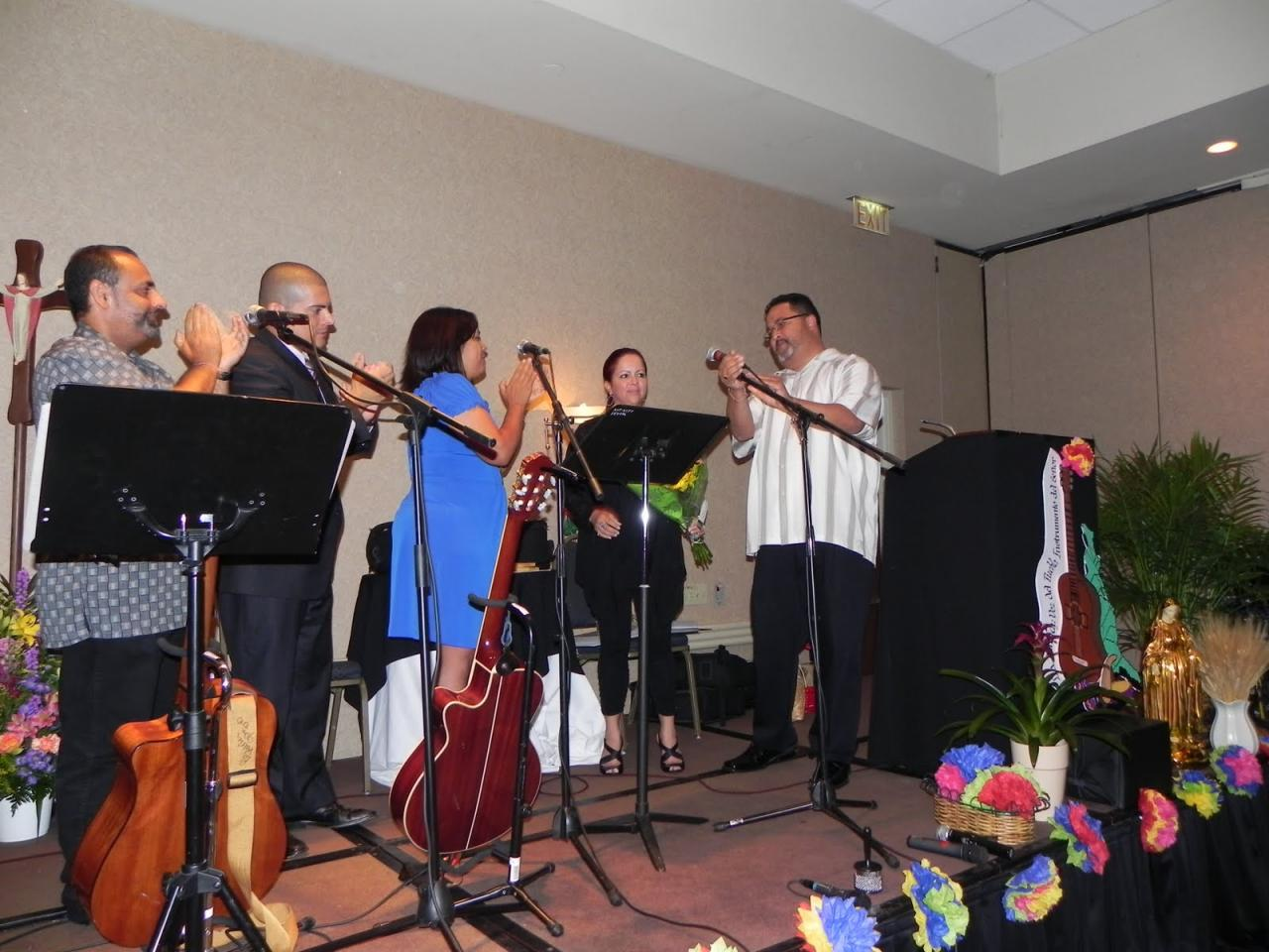 El Comité organizador de la III Conferencia Diego, Carlos, Damaris, Blanca y Angel.