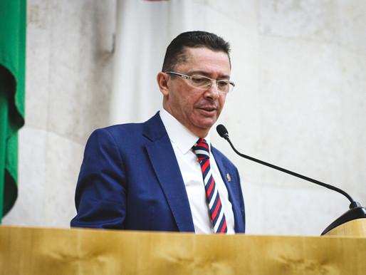 Câmara aprova relatório do vereador Sansão Pereira a projeto que suspende taxas municipais