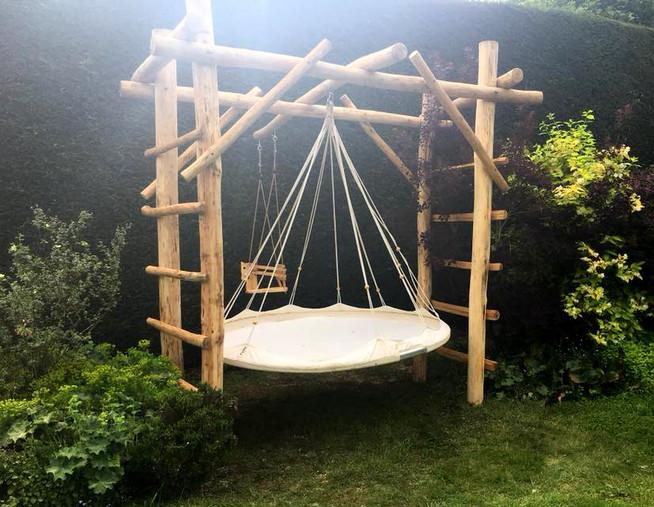 rustic wooden garen swing carpenter glou