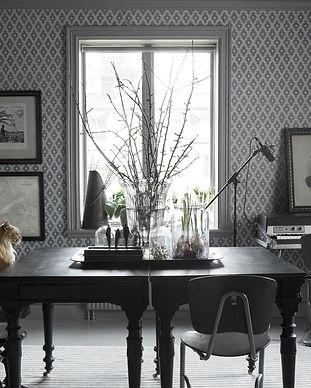 Viola Dark Grey 1.jpg