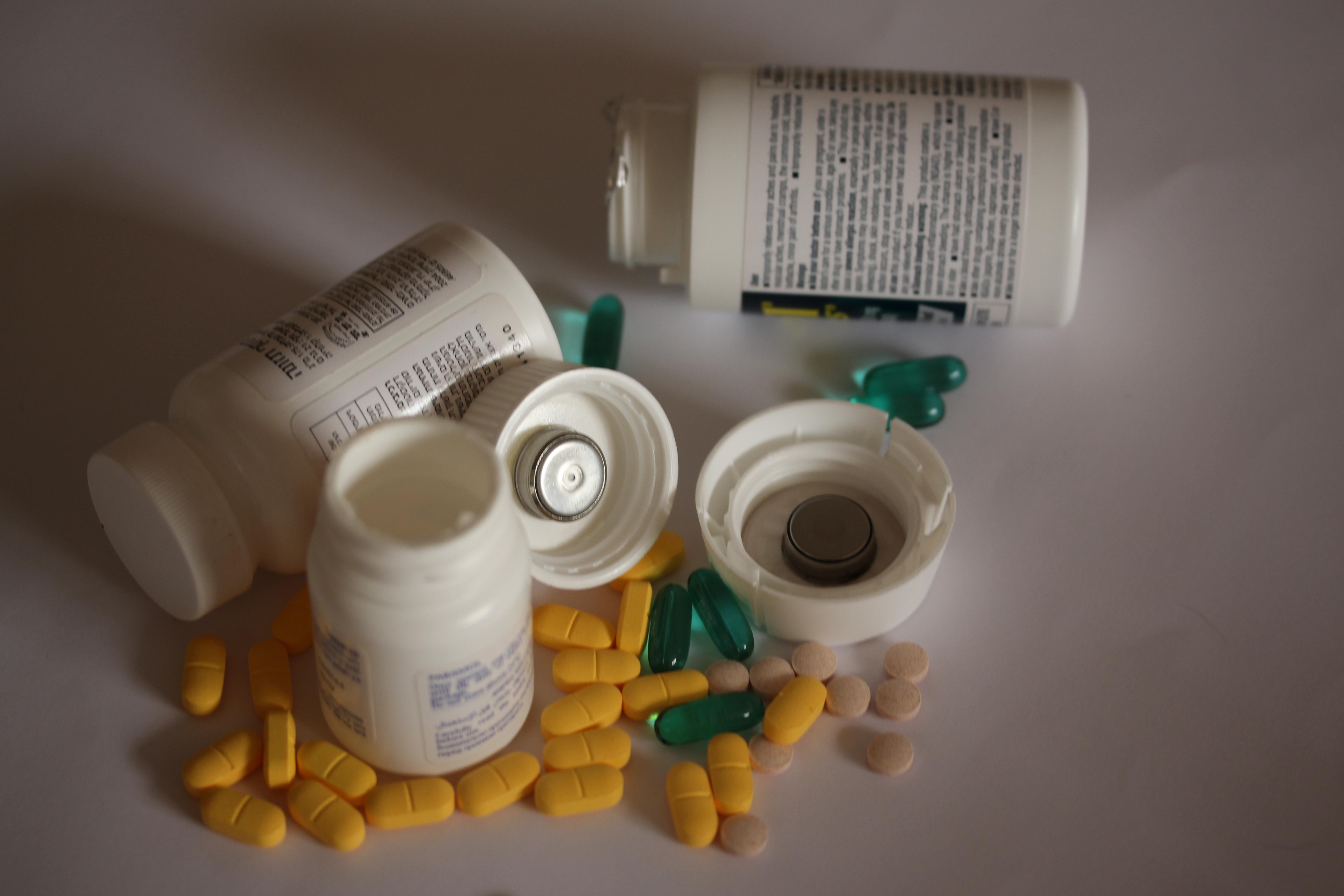 בקרת לחות  אחסון תרופות  .JPG