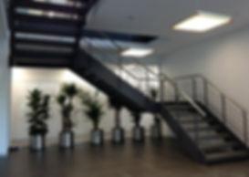 İstanbul Sensormatic merkez binası iki katlı iç merdiven uygulaması