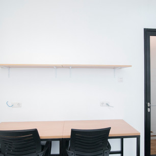 Co-working Desks