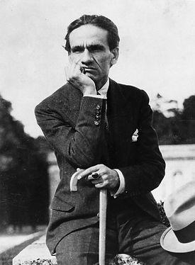 Cesar_vallejo_1929.jpg