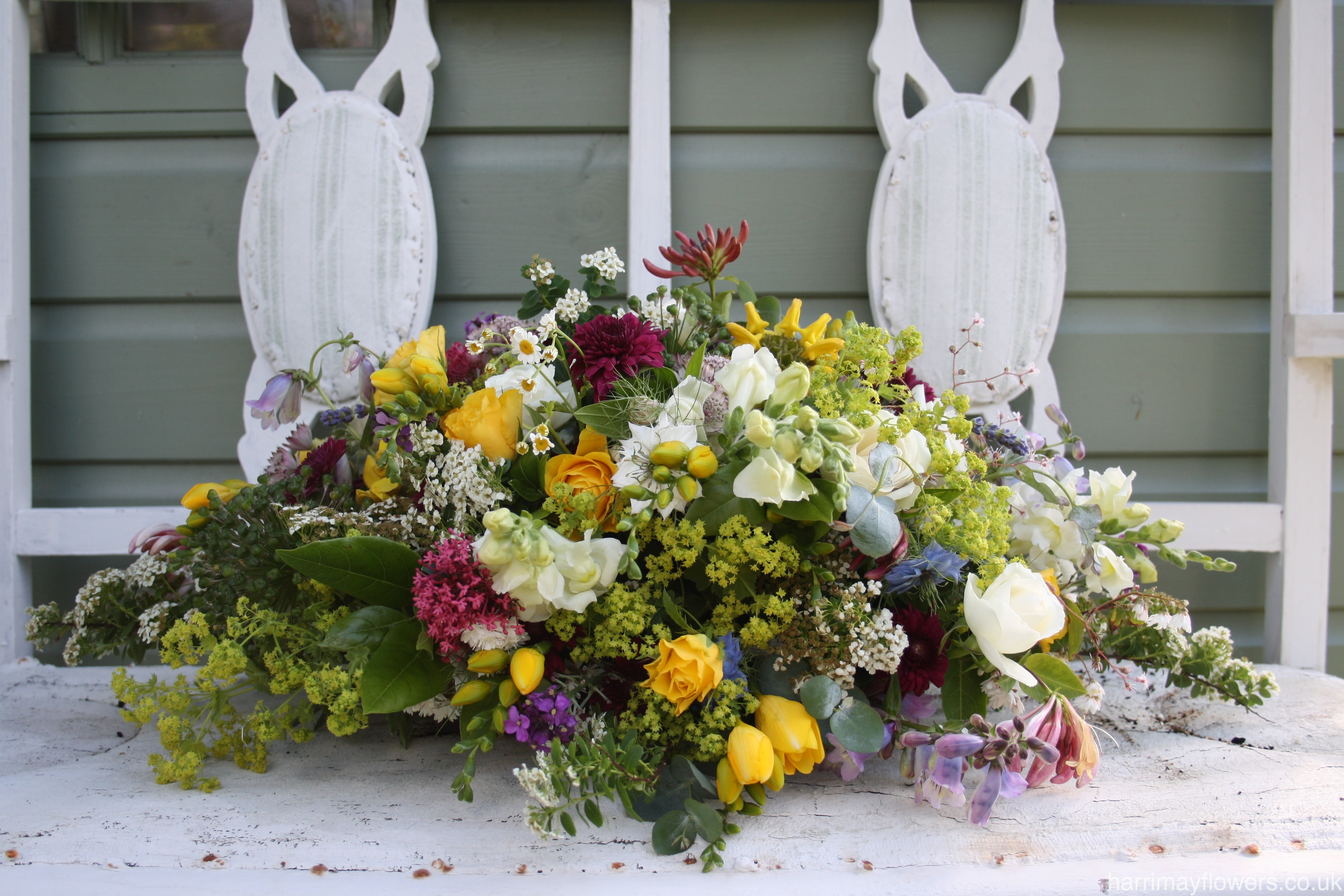 Country Table Arrangement