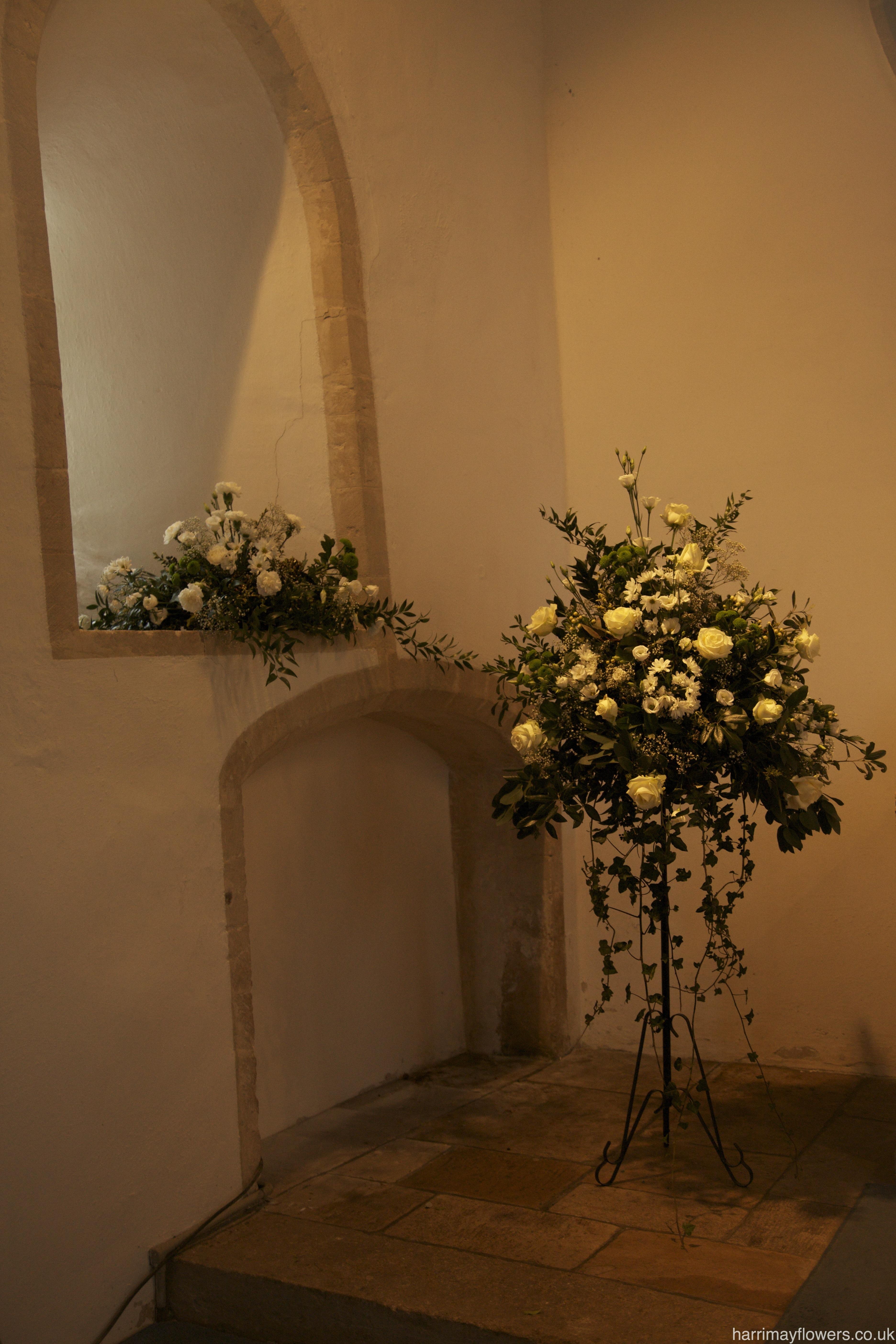 White Large Pedestal