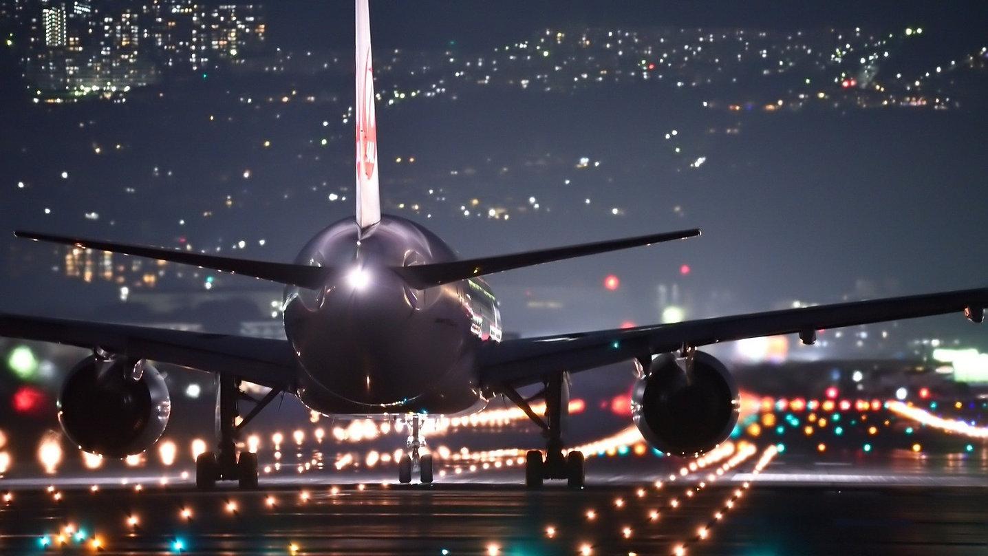 night-flight-2307018_1920_edited.jpg