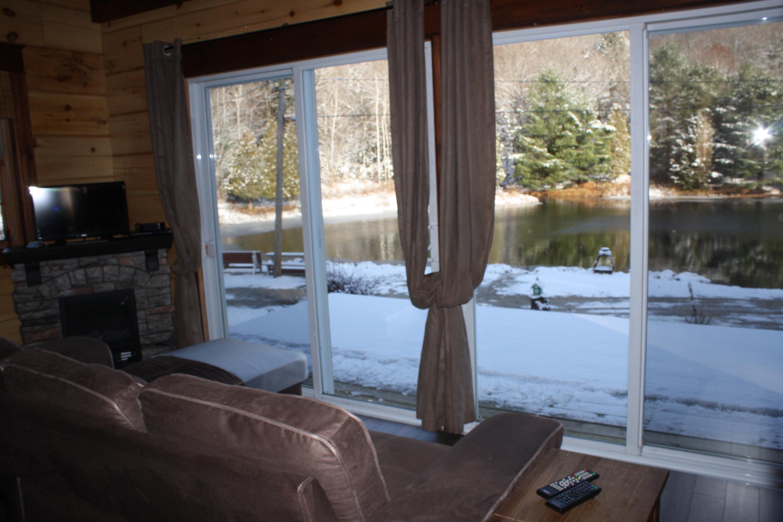 salon vue sur le lac 3