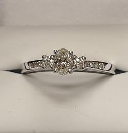 Oval Diamond Ring 1