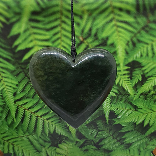 NZ Greenstone Heart - 4b