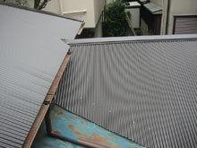 東京都町田市 屋根リフォーム 施工後 波板 壁取り合い