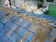 川崎市 高津区 既存屋根 瓦下地の土撤去