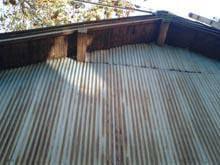稲城市 外壁板金工事 錆び付いた波板板金 施工前