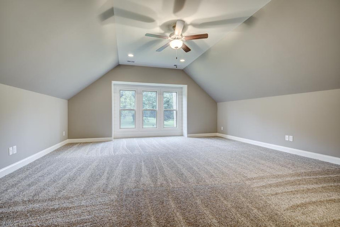 Leslie Ann Bonus Room