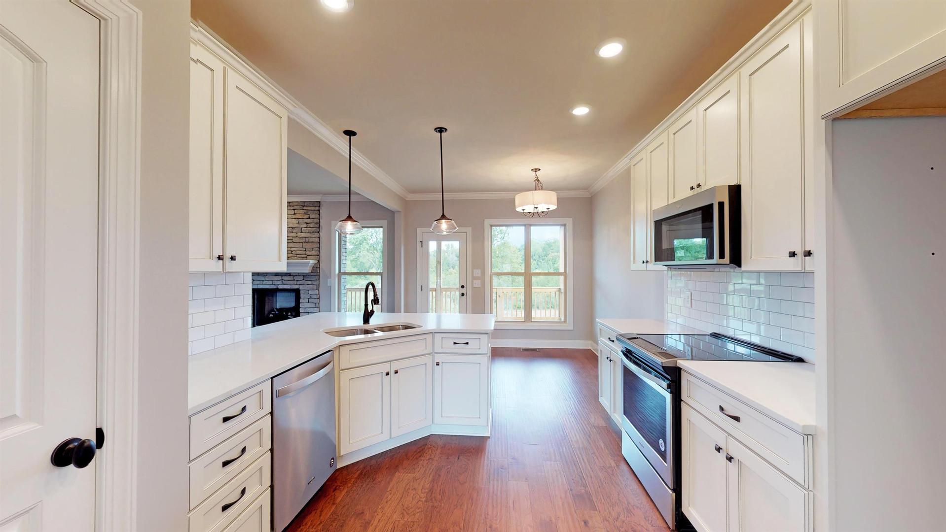 The Bouldercrest Kitchen & Breakfast Nook