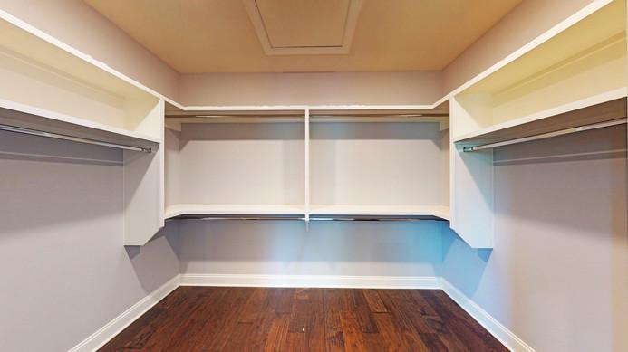 Blantons Trace Primary Bedroom Closet