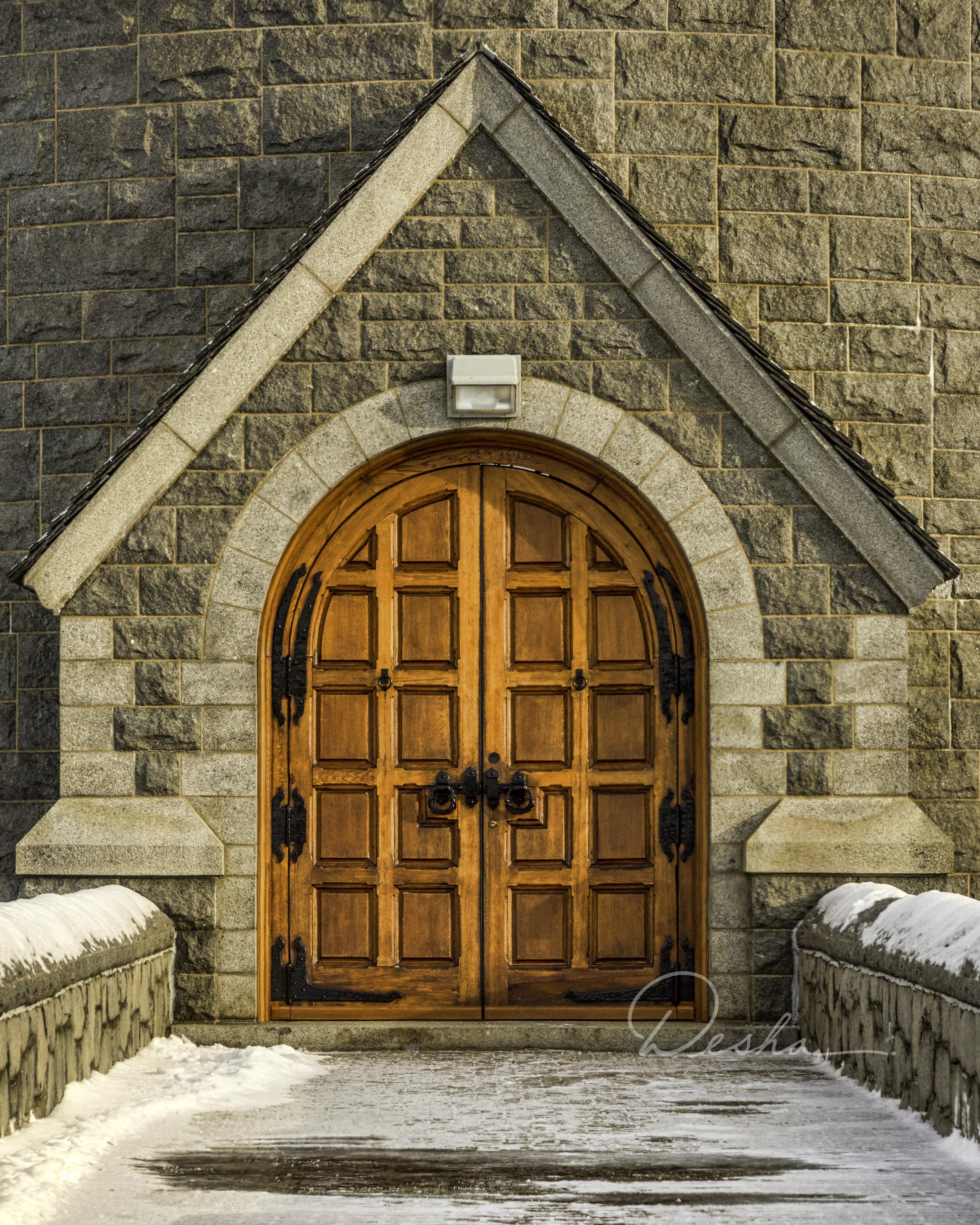 Saville Dam Door