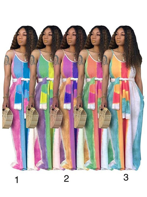 Woman's summer dress with a twist #1