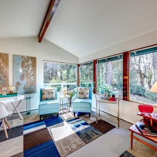 Nick-Living room to use on website.JPG