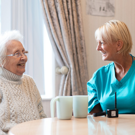6 Practical Ways to Encourage Care Home Residents to Drink