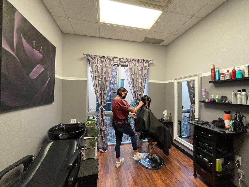 Jenuine Styles Salon