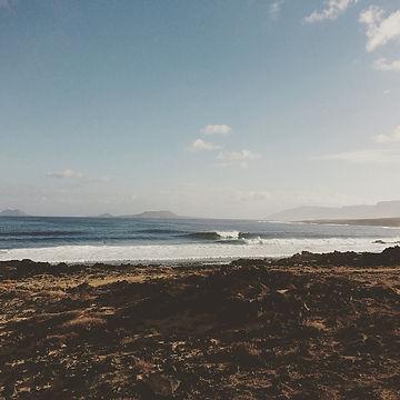 La-Caleta surf spot fuerteventura.jpg