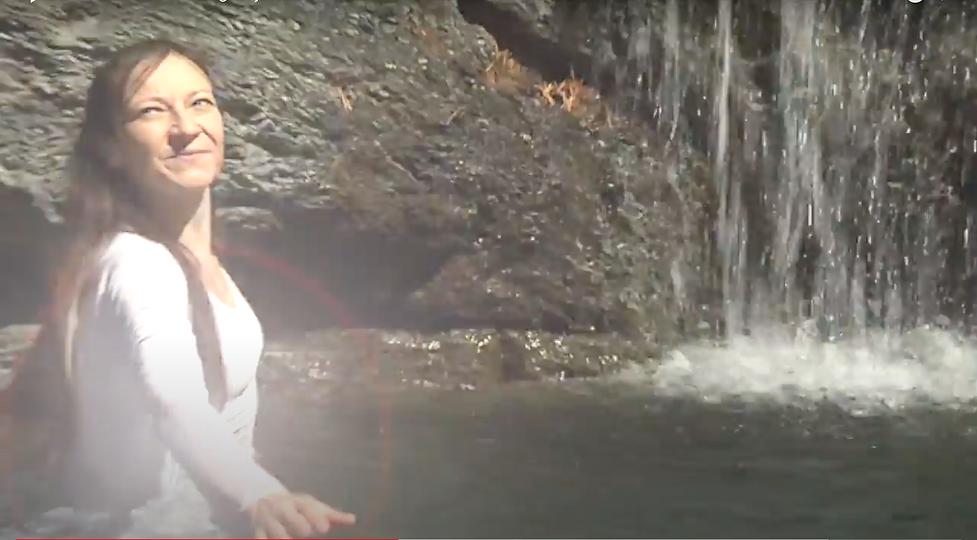 Monica Canducci - Waterfall